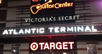 guitar shop,brooklyn,new york.
