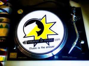 internet of music, turntable slipmat for vinyls.
