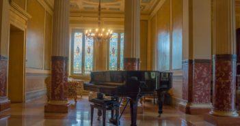piano technicians